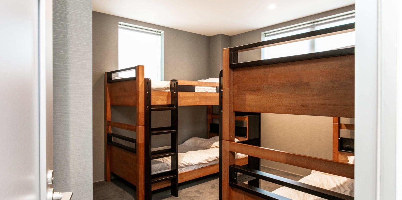 Bluebird Apartments Bunkroom