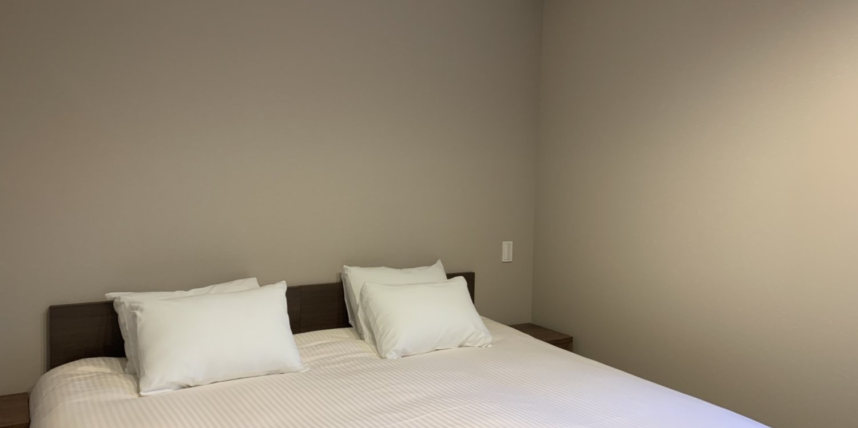 Gravity bedroom 2