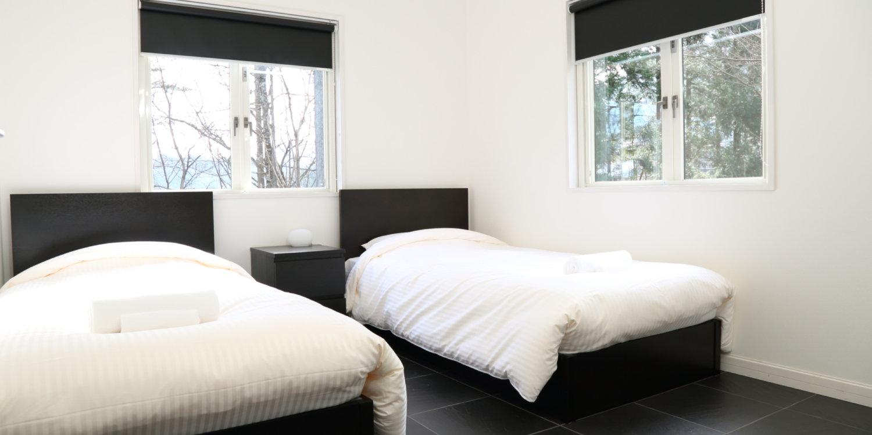 Powdersuite B Twin Beds